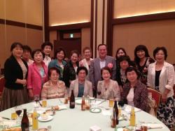 橋本知事と土浦商工会議所女性会メンバー